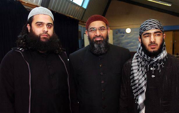 LLL - GFATF - London Bridge terrorist Usman Khan pictured with Anjem Choudary as killers poem emerges