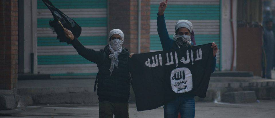 GFATF - LLL - American father and son arrested after allegedly joining the Islamic State terrorist group