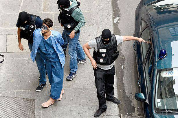 GFATF - LLL - Suspected Islamic State terrorist goes on trial in Paris